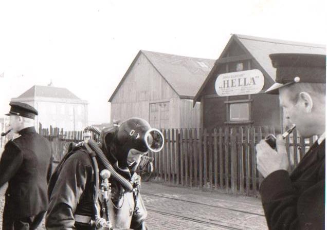 Ejnar`s familie 007 Københavns Brandvæsen Dykkerskole 1949 Ejnar i dykkerudstyr